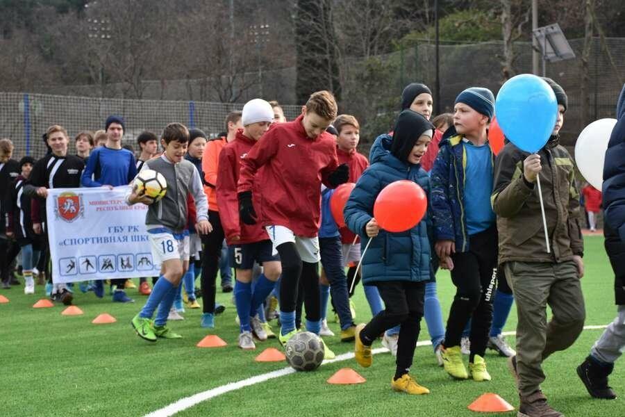 В Ялте открыли стадион «ДЮЦФС», фото-2