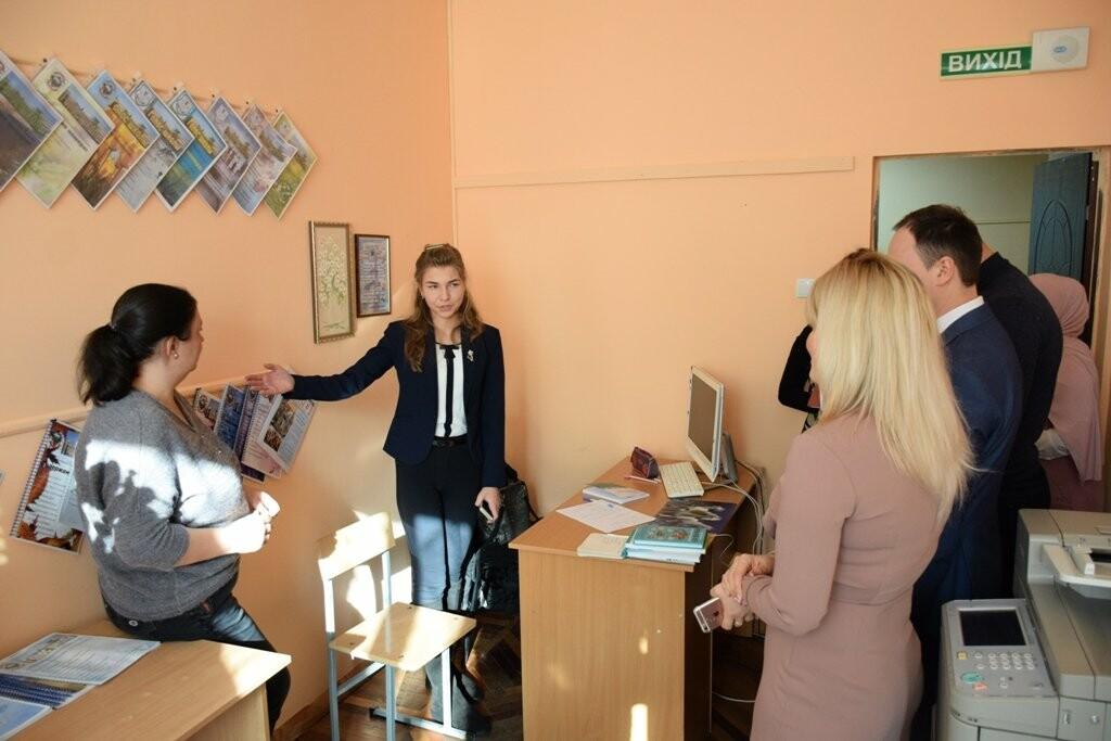 В Ялтинской школе-коллегиум № 1 прошел единый урок  «День Республики Крым», фото-3