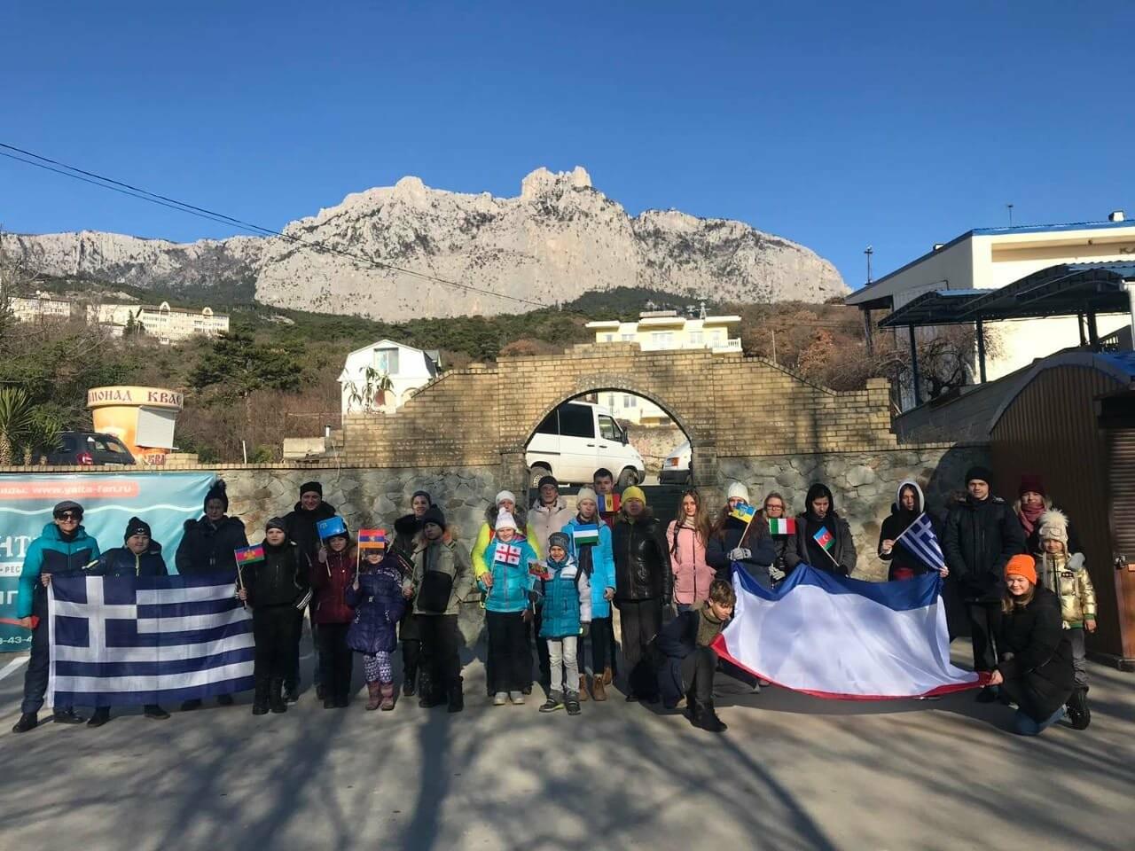 На вершине Ай-Петри установили флаг Крыма, фото-2
