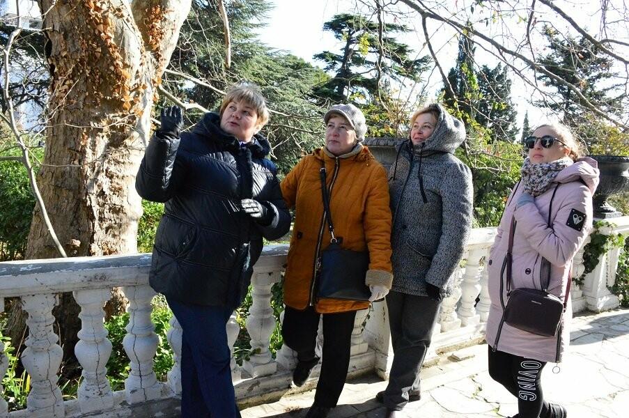 Алупкинский экскурсионно-методический центр «Таврика» побывал в Форосском царстве, фото-1