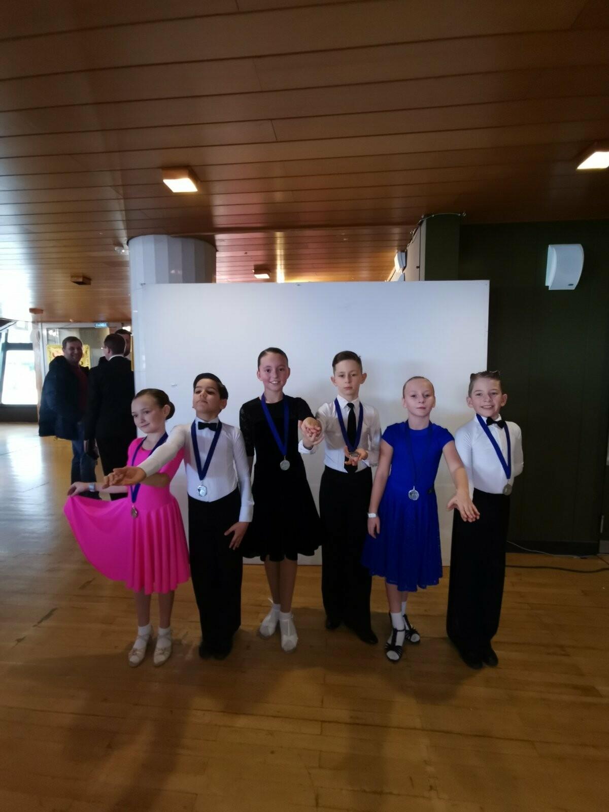 Ребята из «Спортивной школы № 6» Ялты успешно выступили на Первенстве РК по танцевальному спорту, фото-5