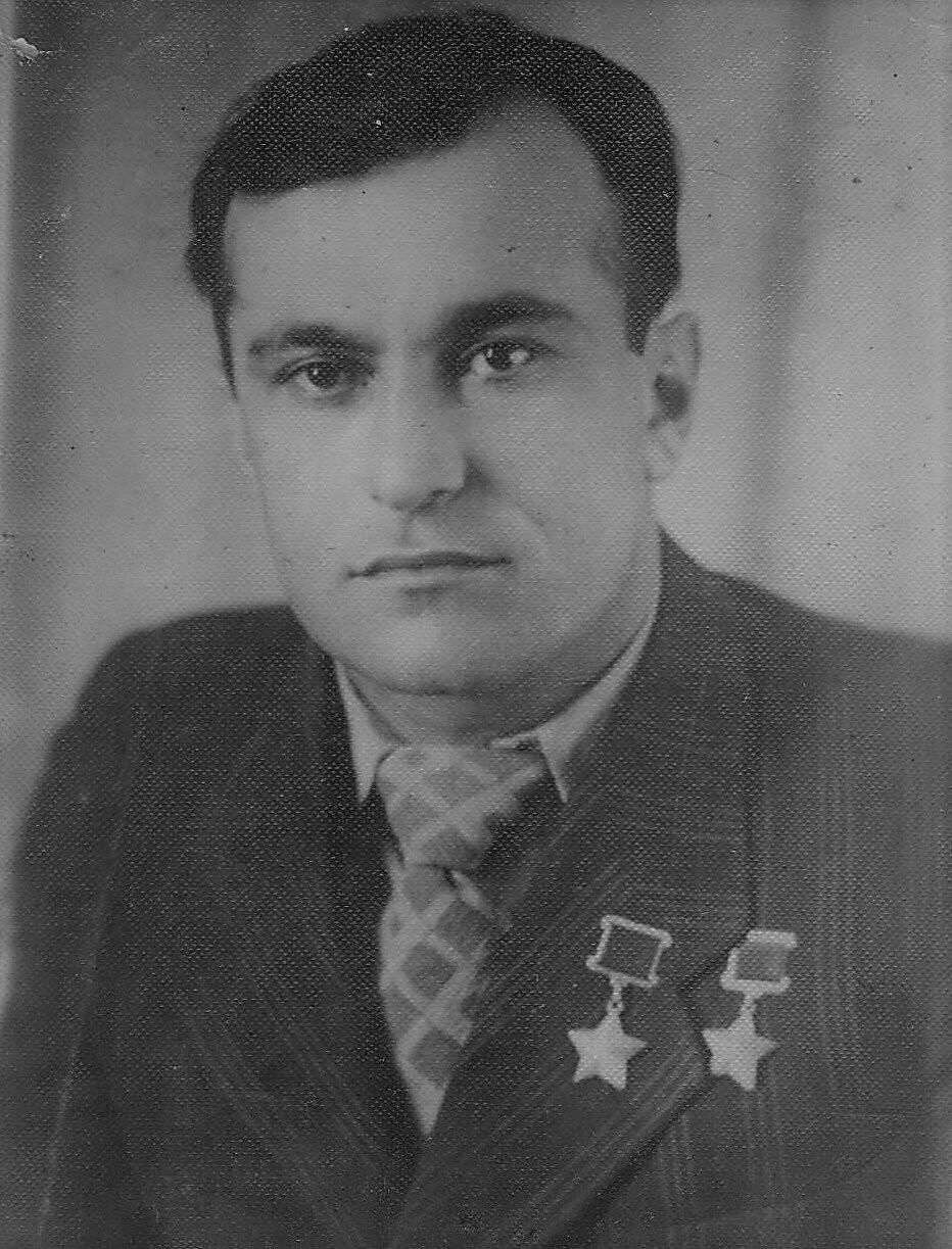 День памяти Героя: в Алупке 1 февраля вспоминают  Амет-Хана Султана, фото-1