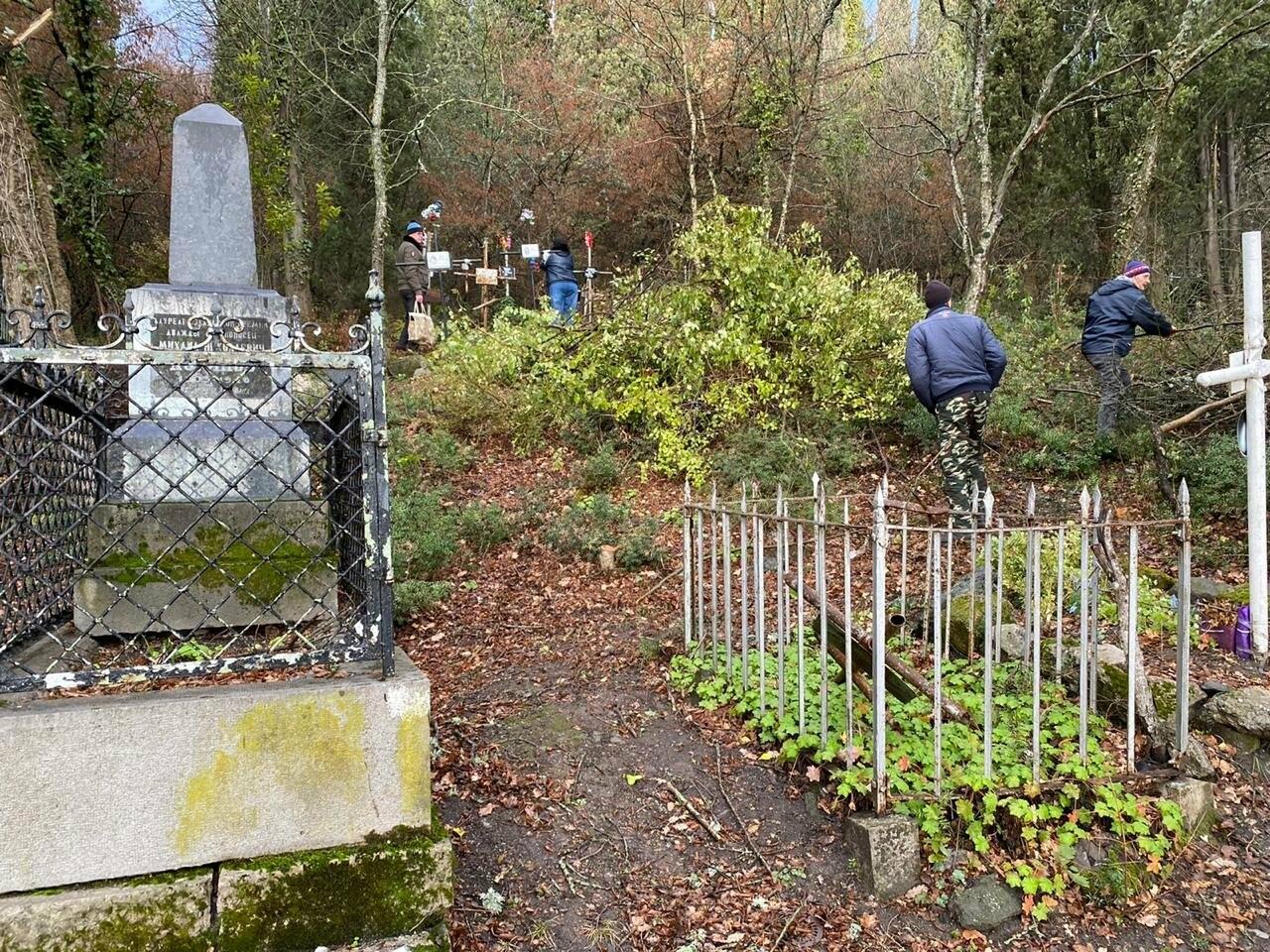 Началось благоустройство Ливадийского кладбища в Ялте, фото-1