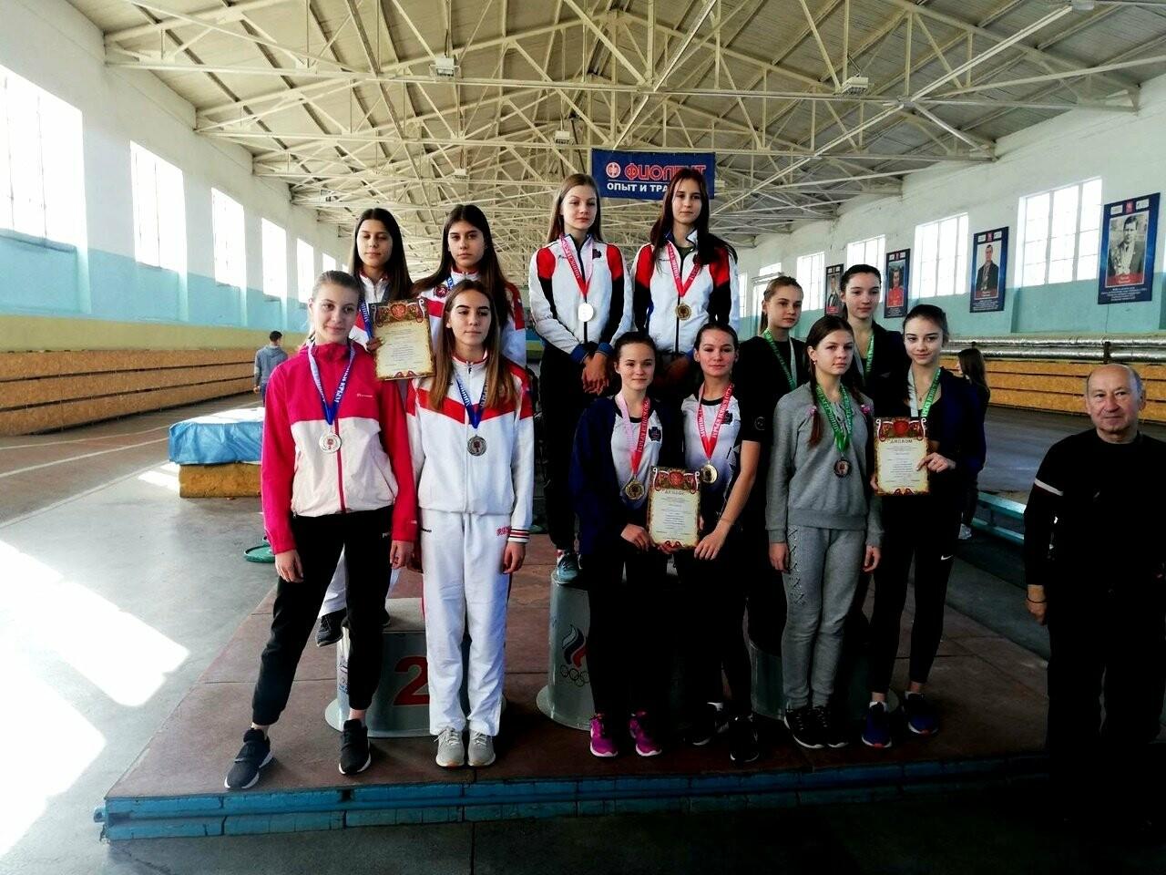 Легкоатлеты Ялты  завоевали  28 медалей в Первенстве Крыма, фото-1
