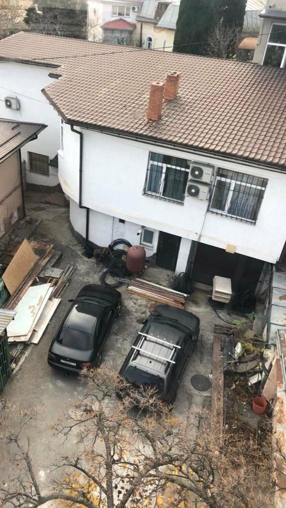Неприглядные постройки под канатной дорогой в центре Ялты уберут, фото-3