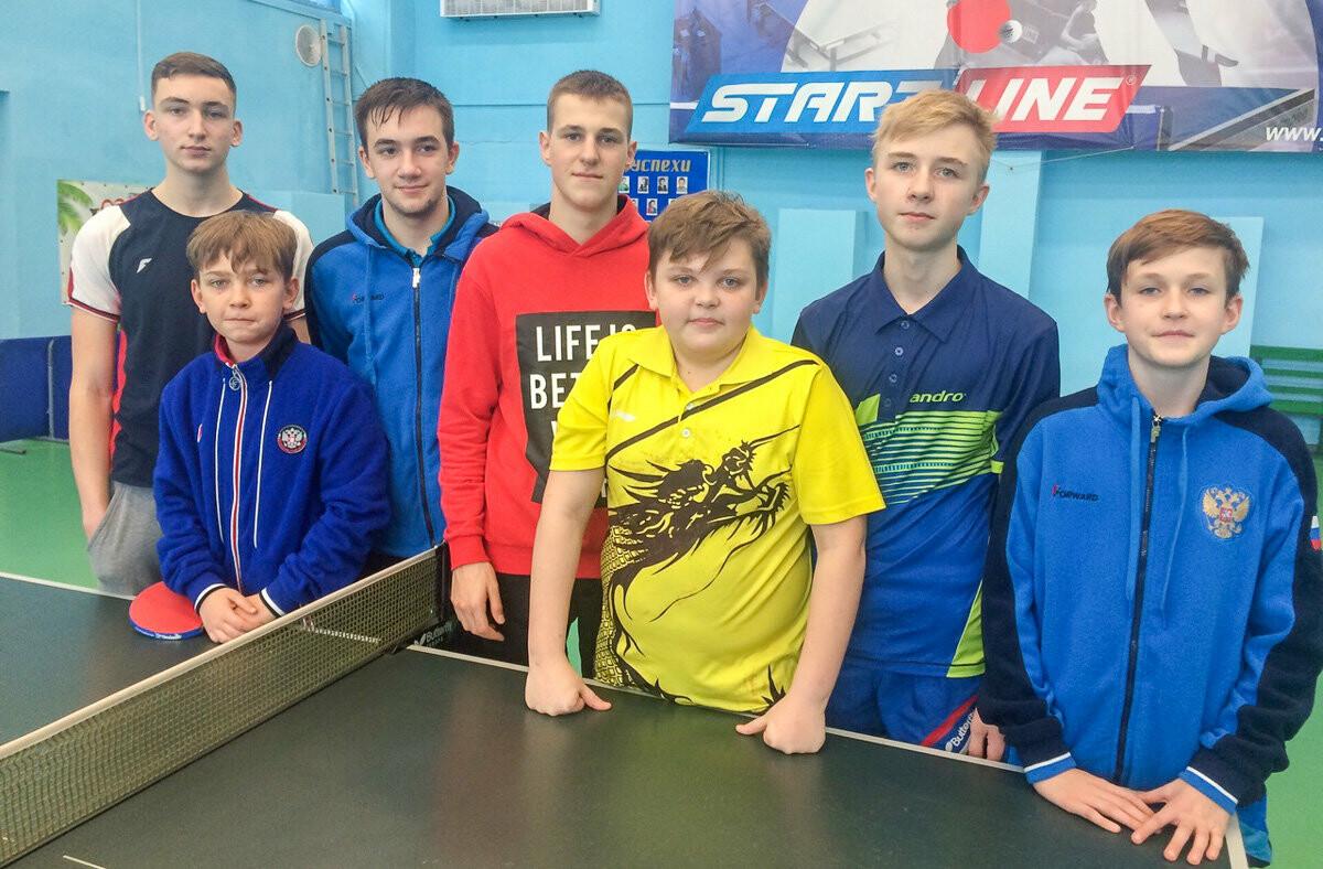 Ялтинские команды поборются за бронзу в первой лиге Командного чемпионата Крыма по настольному теннису, фото-1