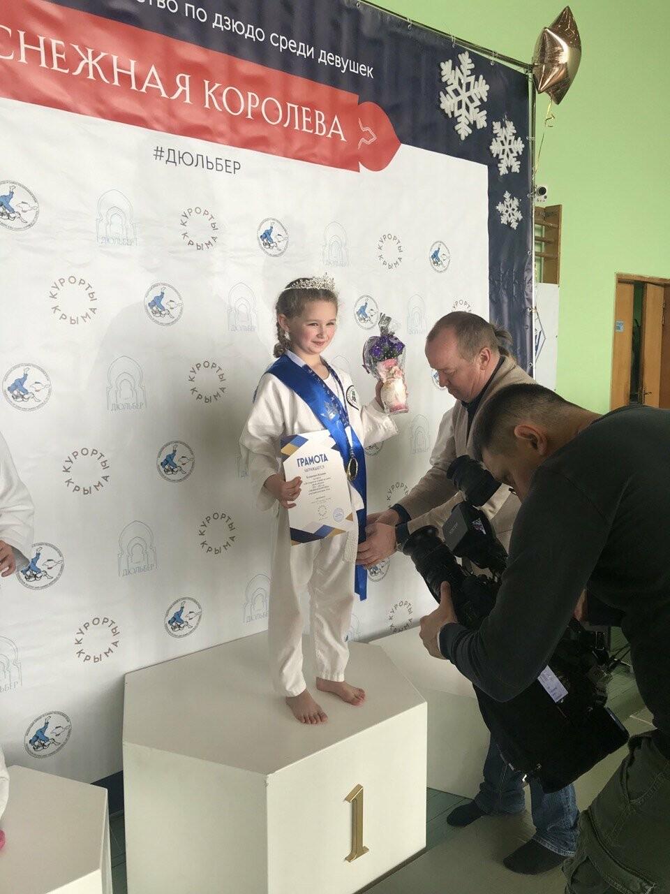 Двадцать четыре  «Снежные Королевы»: в санатории  «Дюльбер»  провели турнир по дзюдо, фото-3