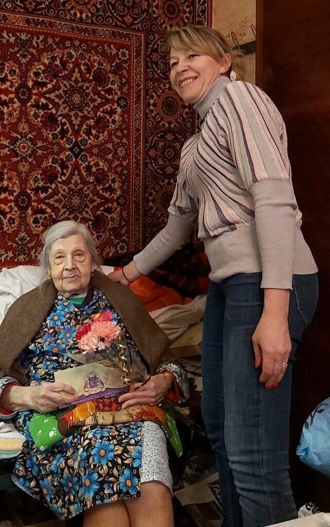 Жительниц Ялты поздравили с почетными юбилеями, фото-2