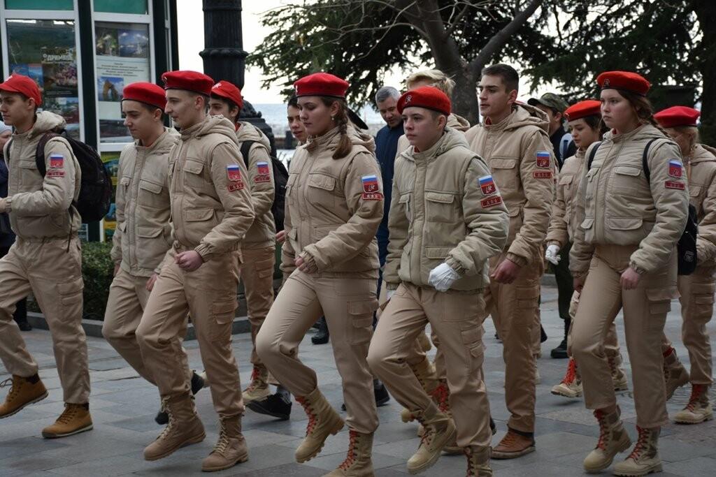 Ялта отметила  День защитника Отечества, фото-1