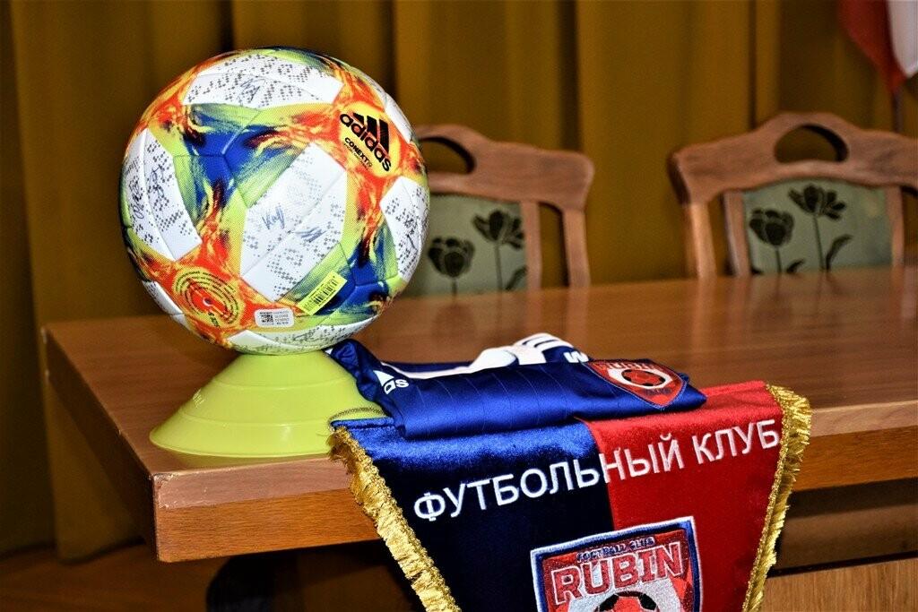 В Ялте городские власти встретились с игроками ФК «Рубин», фото-2