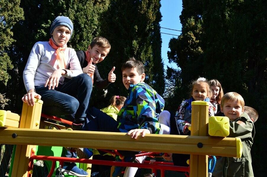 В Гаспре открыли новую детскую площадку, фото-2