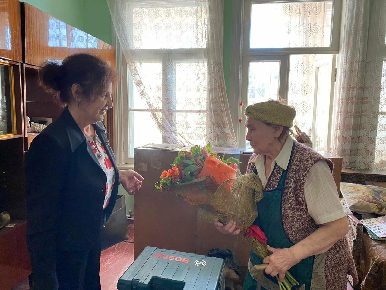 Ветеранам Ялты вручили юбилейные медали в честь 75-летия Победы в ВОВ, фото-5