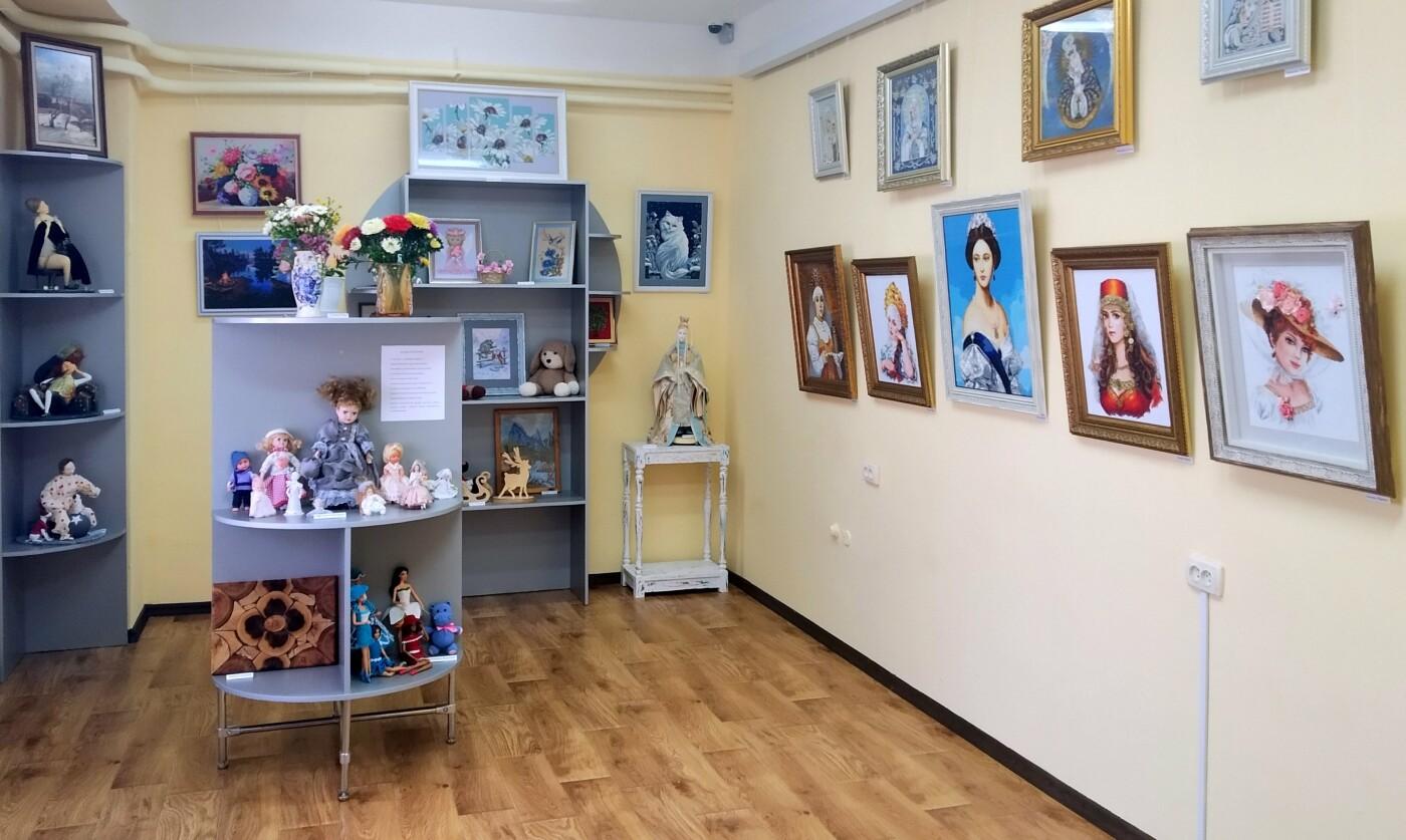В Кореизе открылась  выставка  эксклюзивных работ  местных рукодельниц, фото-2