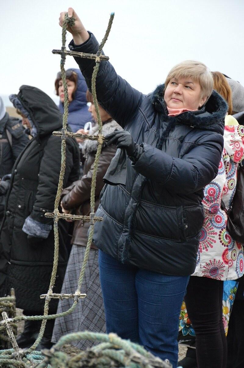 Нескучный понедельник: экскурсоводы Ялтинского региона побывали  на устричной ферме в бухте Ласпи, фото-6