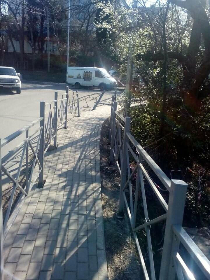 В Ялте собирают подписи, чтобы подрядчики устранили недочеты в  ремонте ряда улиц, фото-3