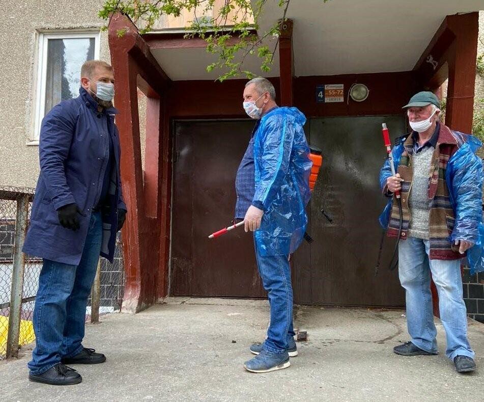 В Ялте депутаты лично разъясняют гражданам необходимость соблюдать карантин, фото-1