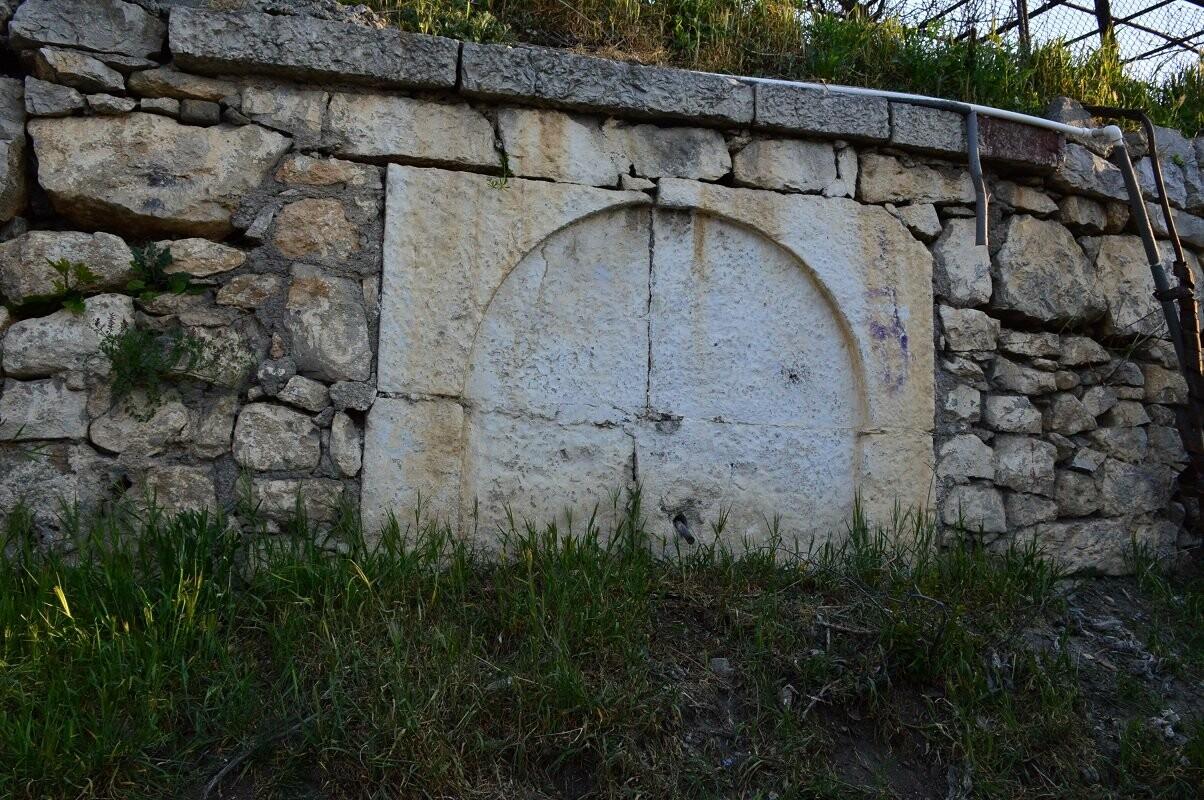 В Гаспре просят восстановить исторический памятник - татарский чашме, фото-1