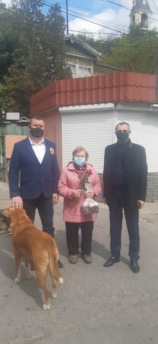 Волонтёры Ялты помогли почти 1000 жителям города, фото-3