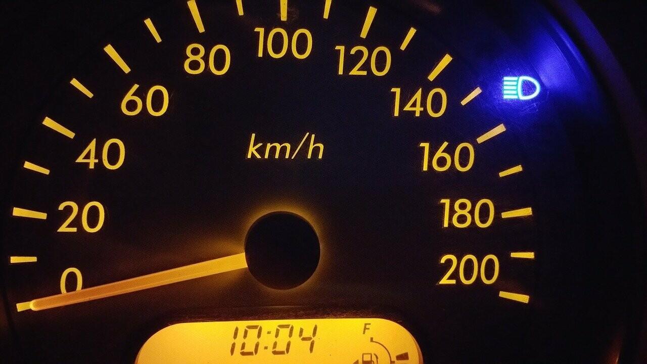На что обращать внимание, если вы покупаете автомобиль с пробегом более 100 000 километров по одометру?, фото-1