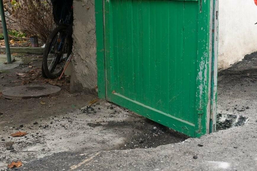 Граждан ялтинской улицы «закатали васфальт»