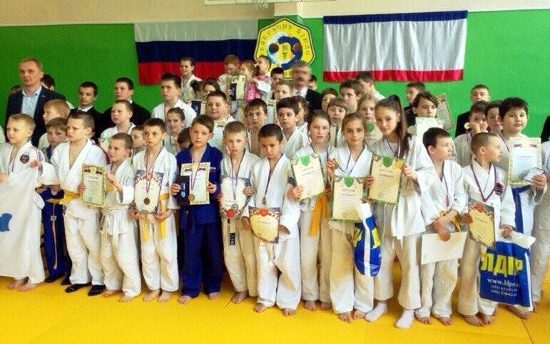 В Ялте 15 апреля прошёл турнир по дзюдо среди спортсменов 2005-2008 годов рождения. Об этом сообщили в Федерации самбо Ялты. Чемпионами и призерами в...