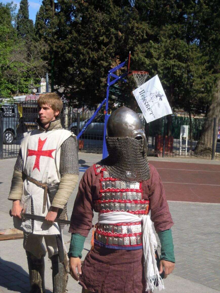 Для ялтинских школьников провели урок, посвященный Ледовому побоищу