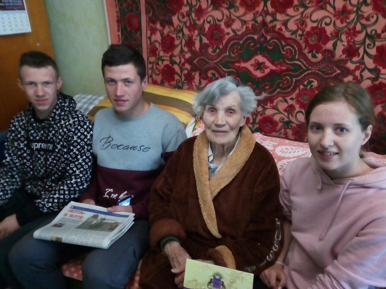 Шесть ялтинок  отпраздновали 90 и 95-летние юбилеи